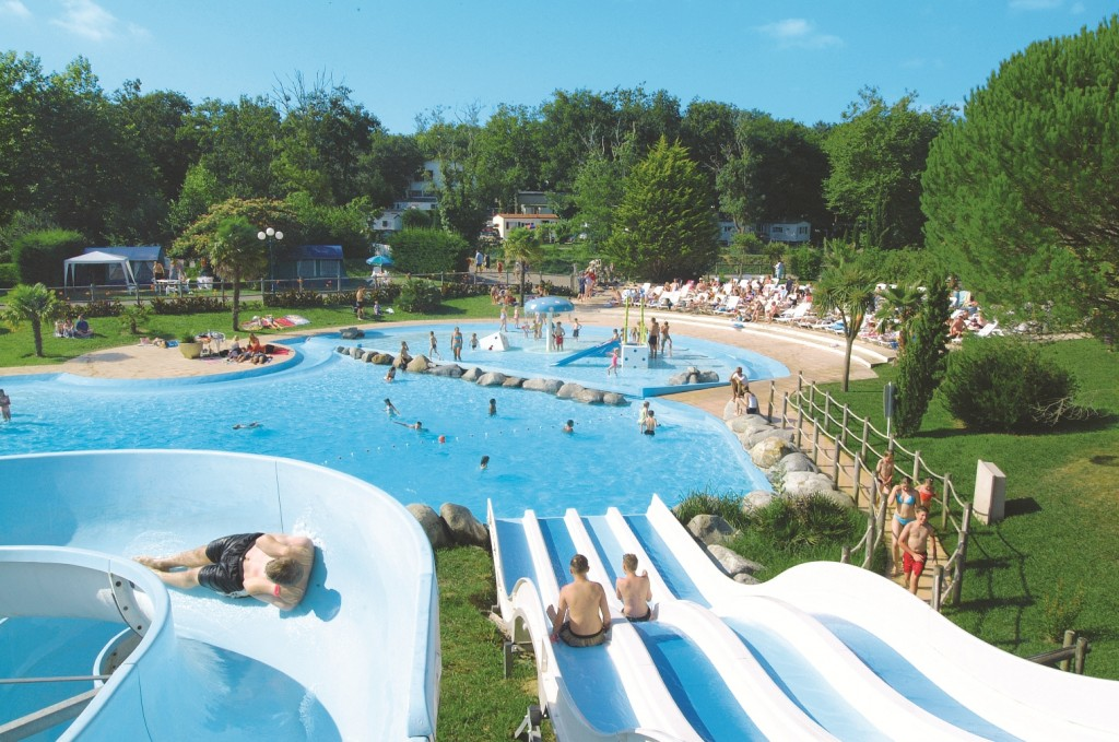 the pools at Camping Le Ruisseau help you cool off
