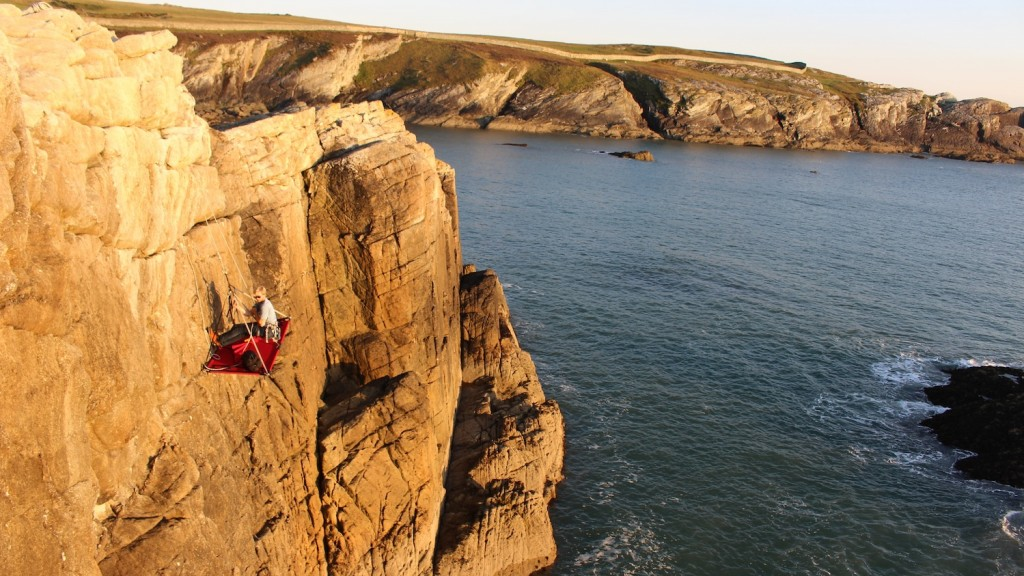 cliff camping with Gaia Adventures in north wales